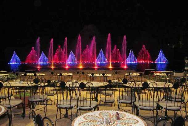 Шоу поющих фонтанов в Кипре