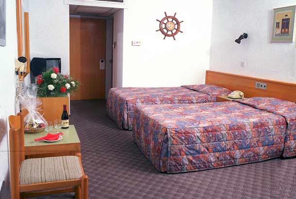 Стандартный номер в отеле Kapetanios Bay 3