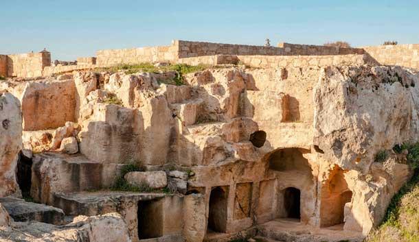 Древние царские гробницы в Кипре