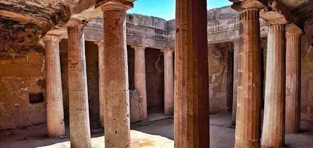 Сохранившиеся царские гробницы в Пафосе