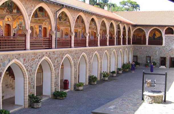 Мужской монастырь на Кипре