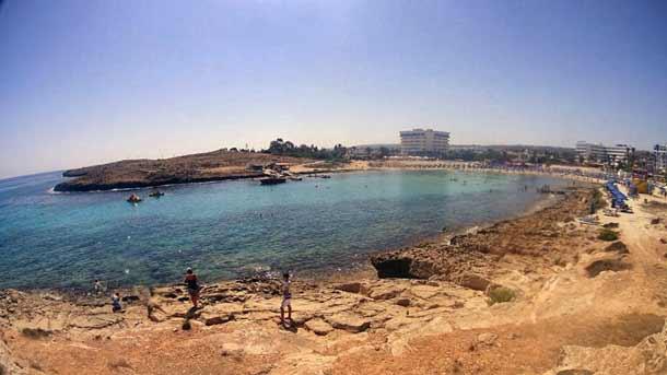 Сэнди-Бэй в Айя Напе (Кипр)
