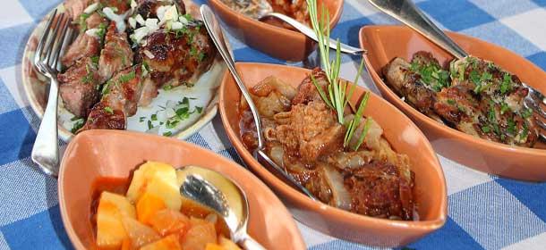 Мясное мезе на Кипре фото