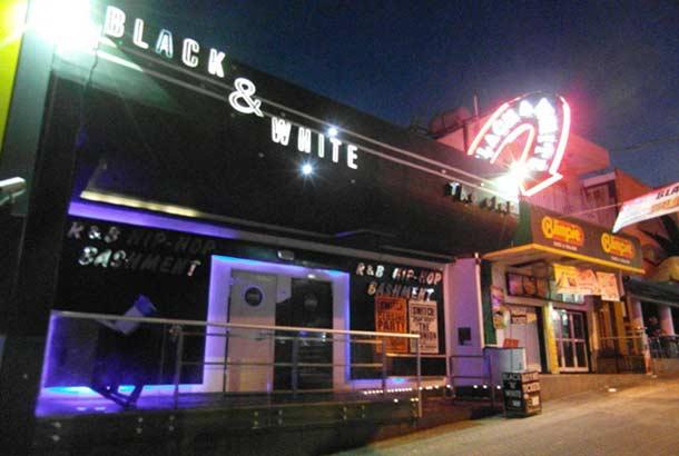 Черно-белый клуб Blackand White в Айя-Напе