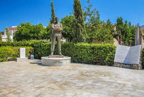 Памятник герою Кипра Тасосу Марку