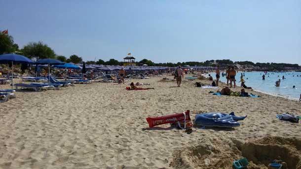 Пляж Makronissos Beach в Айя Напе