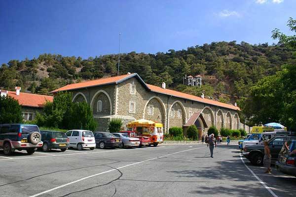 Монастырь Кикос на Кипре фото