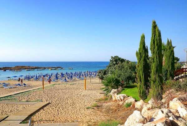 Пляж Fig Tree Bay на Кипре