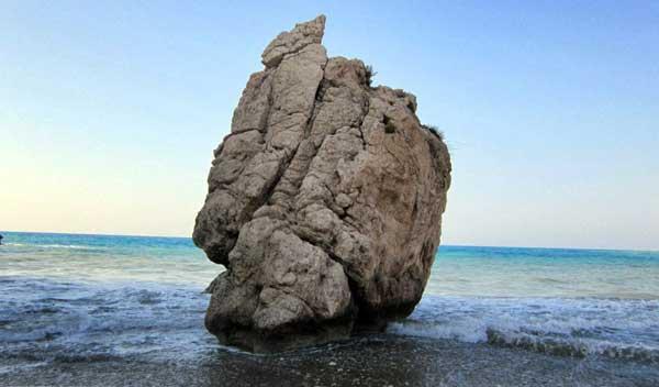 Камень Афродиты в Пафосе