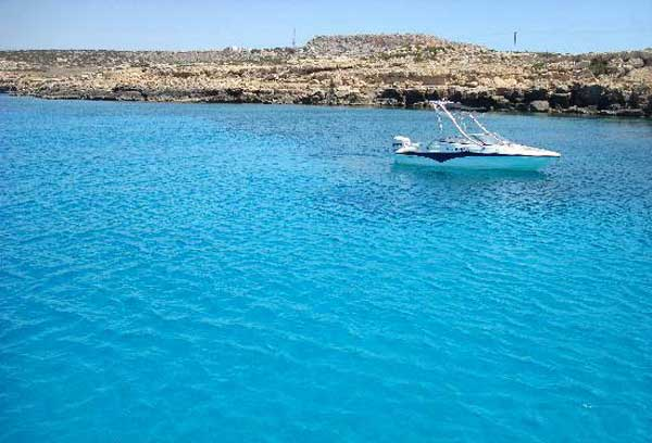Голубая лагуна в Акамасе