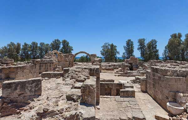 Крепость Саранта Колонес