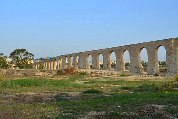 Акведук Камарес фото