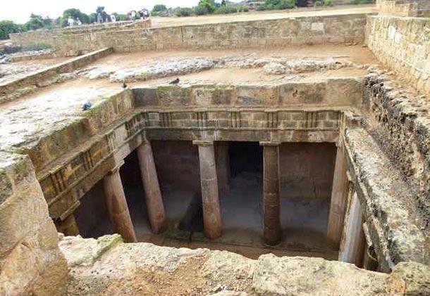 Царские гробницы в Пафосе фото