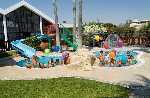 Palm Beach Hotel Bungalows с детскими горками