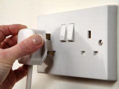 Какие электрические розетки на Кипре в отелях; переходники