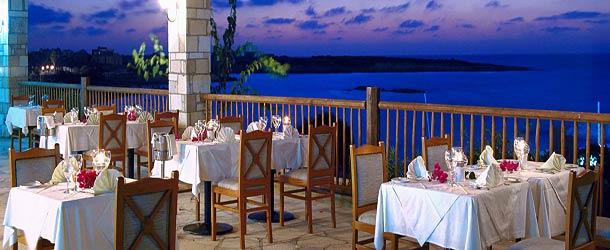 Ресторан Calypso в отеле Корал Бич в Пафосе