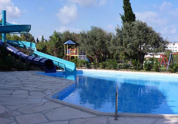 Детский басейн в Paphos Coral Beach 5*