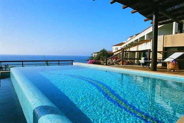 Басейн в отеле Coral Beach Resort 5