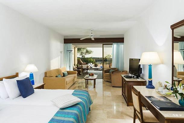 Номера в отеле Корал Бич на Кипре