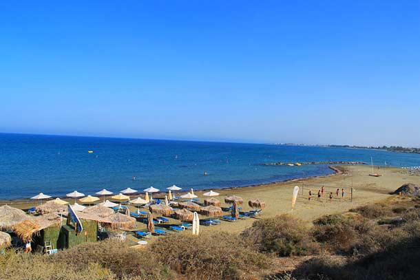Пляж Фарос в Ларнаке (Кипр)