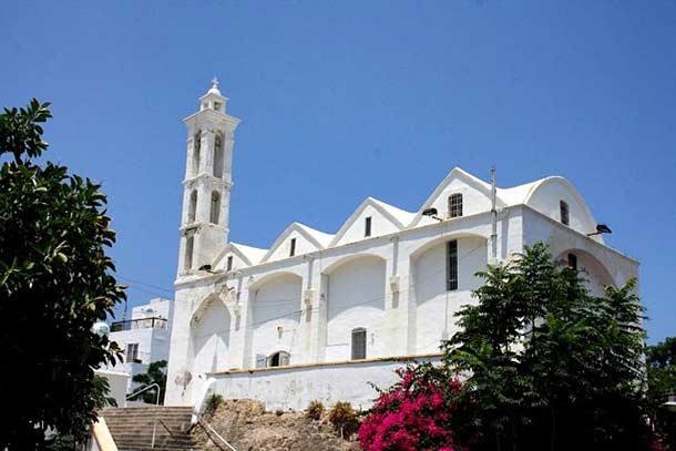 Церковь Архангела Михаила в Кирении