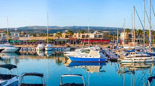 Порт в деревне Лачи (Кипр)