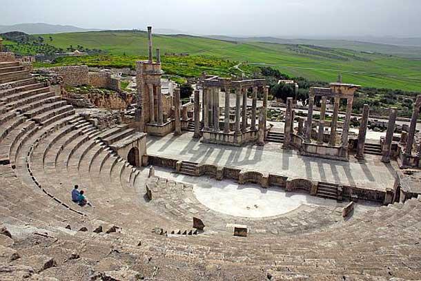 Античный город Дугга в Тунисе