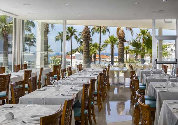 Ресторан в Tsokkos Protaras Beach Hotel