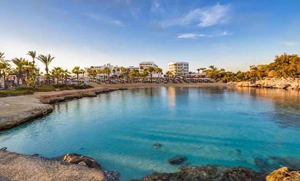 Пляж отеля Адамс Бич Айя Напа