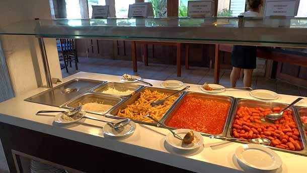 Питание в отеле Базилика в Пафосе