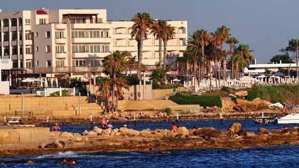 Пляж в отеле Basilica Holiday Resort