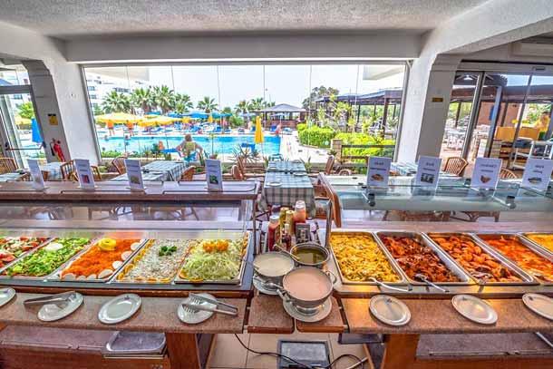 Ресторан в отеле Florida 4 (Айя Напа)