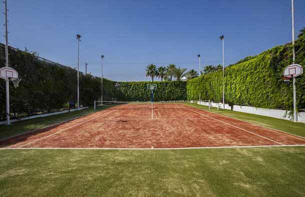 Тенисная площадка в Sentido Sandy Beach