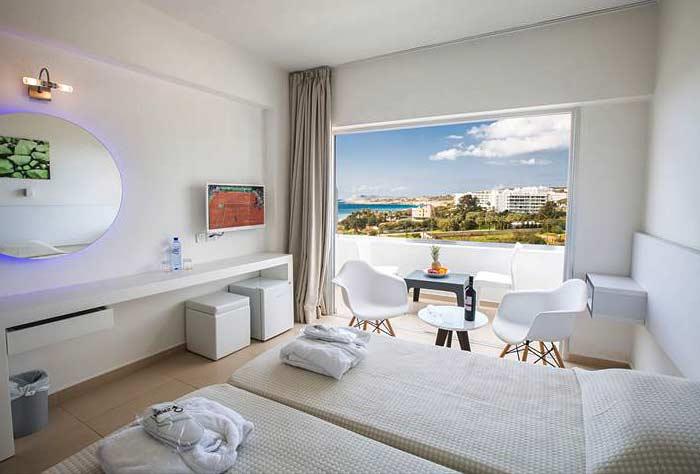 Фото номера в отеле Atlantica Sancta Napa Hotel