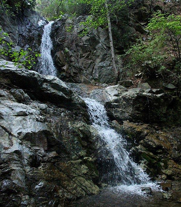 Водопад  Меса Потамос