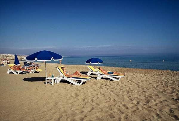 Пляж отеля Venus Beach Hotel 5 на Кипре