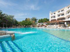 Отель Paphos Gardens Holiday Resort 3* на Кипре